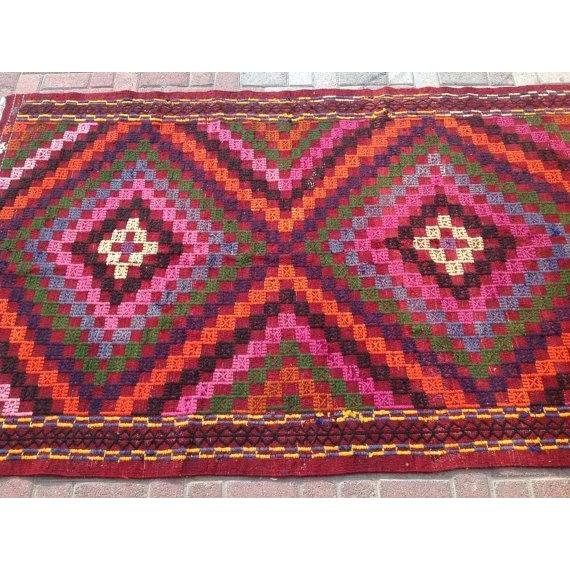 """Vintage Pink Turkish Kilim Rug - 4'10"""" X 7'11"""""""