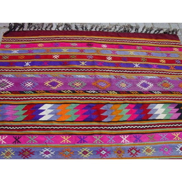 "Vintage Handwoven Turkish Kilim Rug - 5'11"" x 9'6"" - Image 10 of 11"
