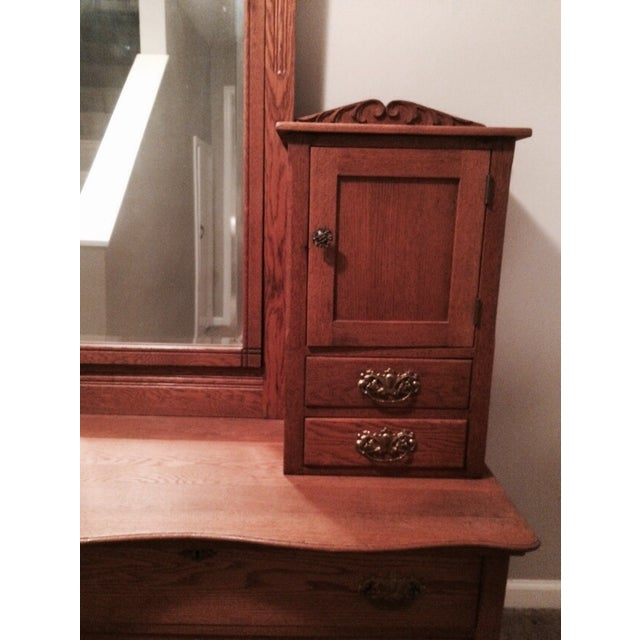 Image of Oak Gentleman's Dresser With Hatbox and Mirror