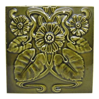 Green Art Nouveau Daisy Flower Tile