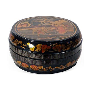 Antique 19th Century Chinoiserie Lacquered Box