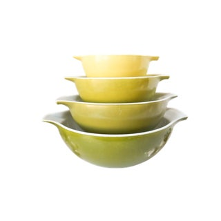 Pyrex Glass Bowls - Set of 4