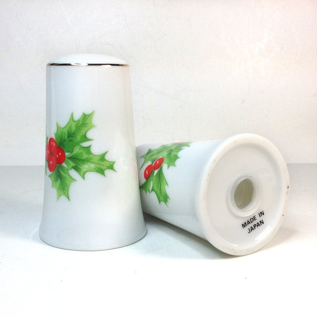 Porcelain Christmas Holly Salt & Pepper Shakers - Image 4 of 4