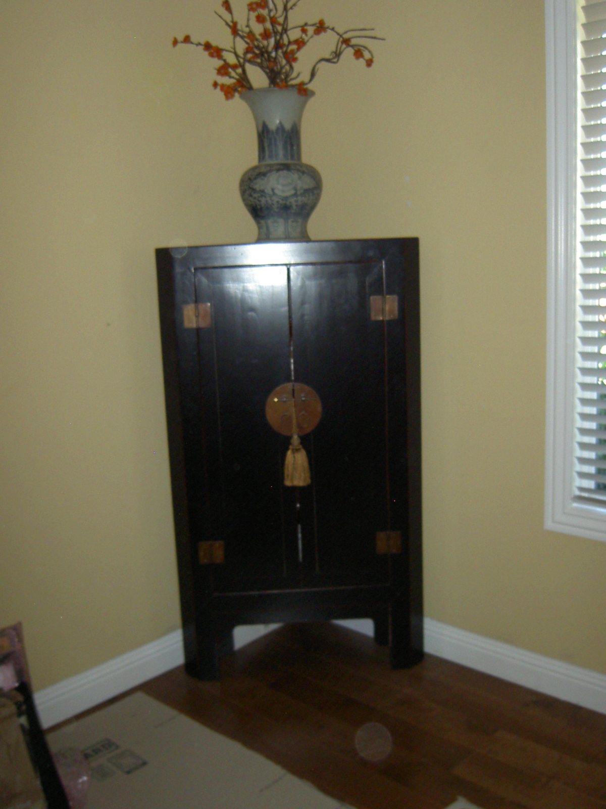 Black Lacquer Asian Corner Cabinet Side Table   Image 2 Of 7