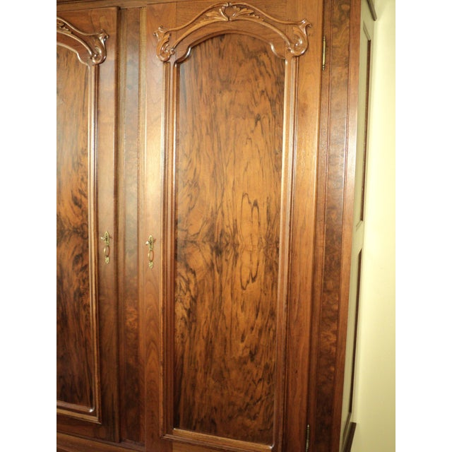 Antique Walnut 2 Door Wardrobe/Armoire - Image 5 of 8