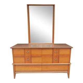 Vintage Kroehler Six Drawer Dresser with Gorgeous Mirror