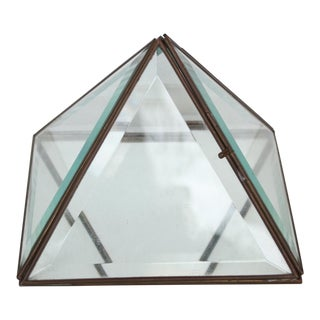 Glass Pyramid Display Box