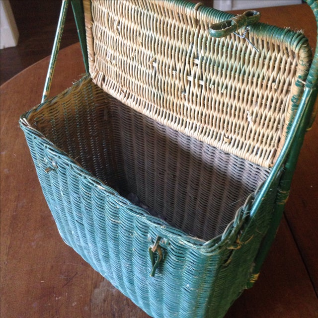 vintage green wicker picnic basket chairish. Black Bedroom Furniture Sets. Home Design Ideas