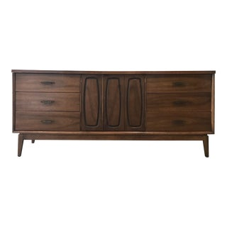 Broyhill Mid-Century 9 Drawer Dresser Credenza