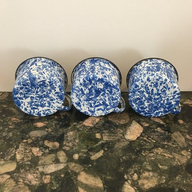 Enamel Spatterware Mugs - Set of 3 - Image 6 of 10