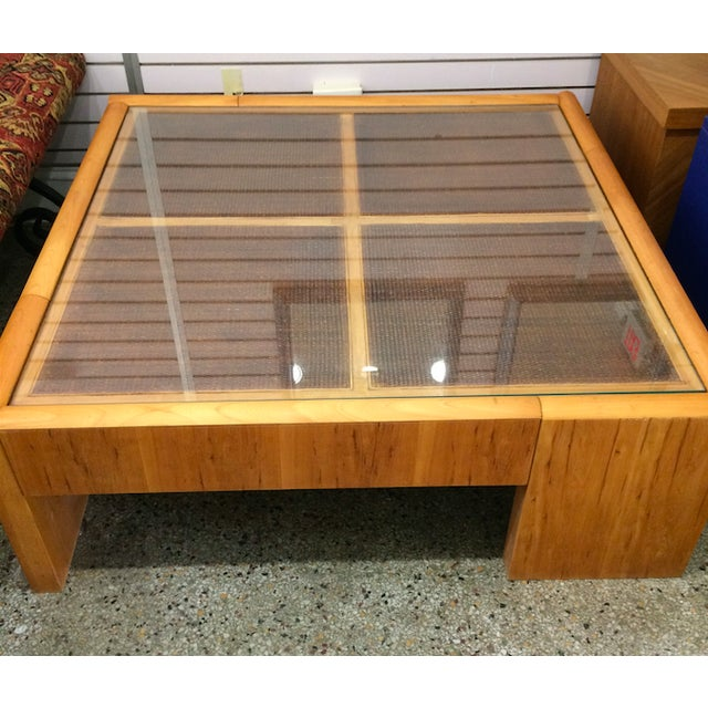 Large Wooden Coffee Table - Image 5 of 6