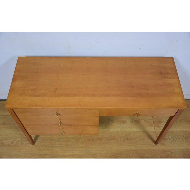 Paul McCobb Planner Group Maple Desk - Image 5 of 10
