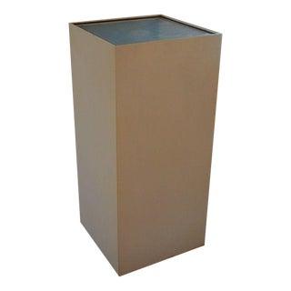 Large Modern Design Illuminated Cube Pedestal