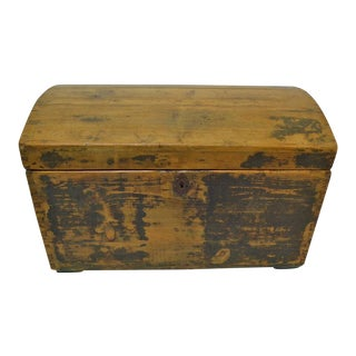 Pine Painted Dome-Top Trunk