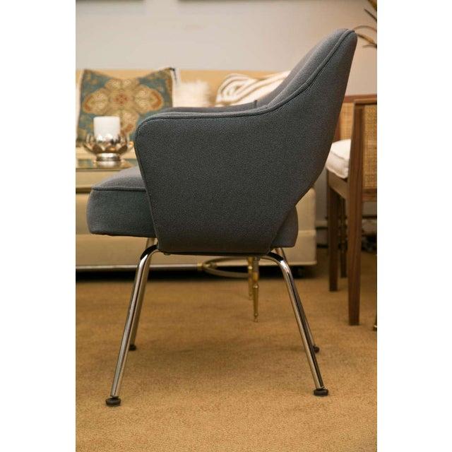 Saarinen Executive Armchair, Vintage Knoll Charcoal - Image 4 of 8