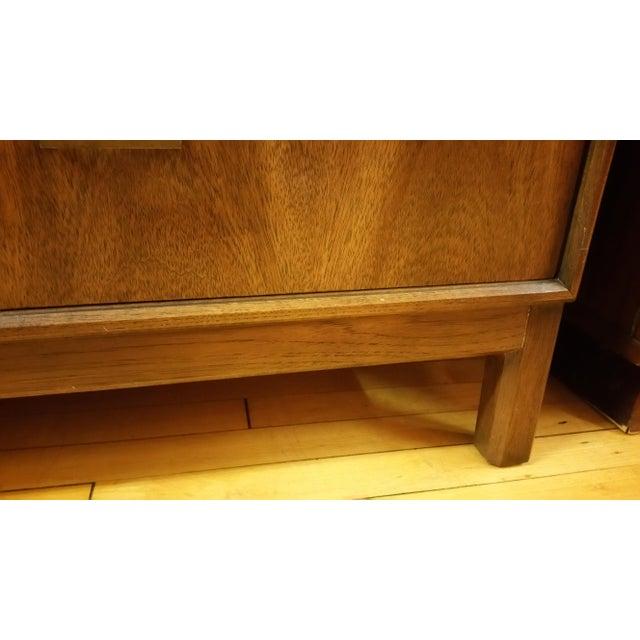 Mid-Century American of Martinsville Gentleman's Dresser - Image 5 of 8