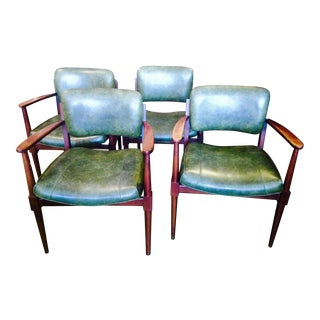 Gunlock Mid Century Modern Dining/Occassional Chairs - Set of 4