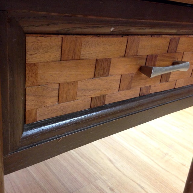 Mid-Century Woven Front & Formica End Table - Image 7 of 7