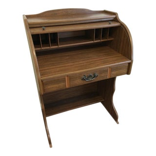 Traditional Roll Top Desk