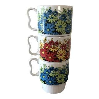 Vintage Porcelain Daisy Mugs From Japan - Set of 3
