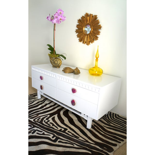 White Credenza Cabinet W/ Fuchsia Agate Pulls - Image 8 of 11