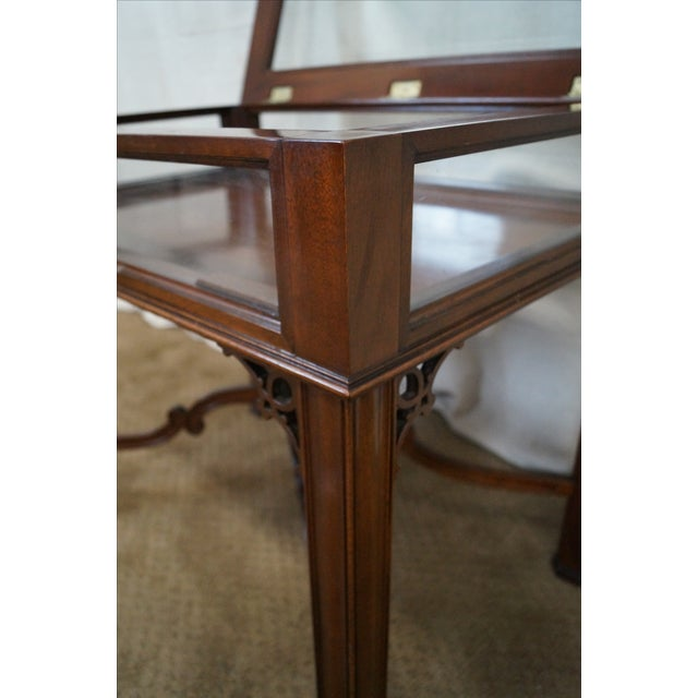 Solid mahogany chippendale curio top vitrine table chairish for Table vitrine