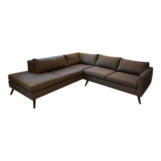 True Modern Dane Sectional Sofa With Bumper