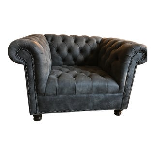 Tufted Grau Leather Chair