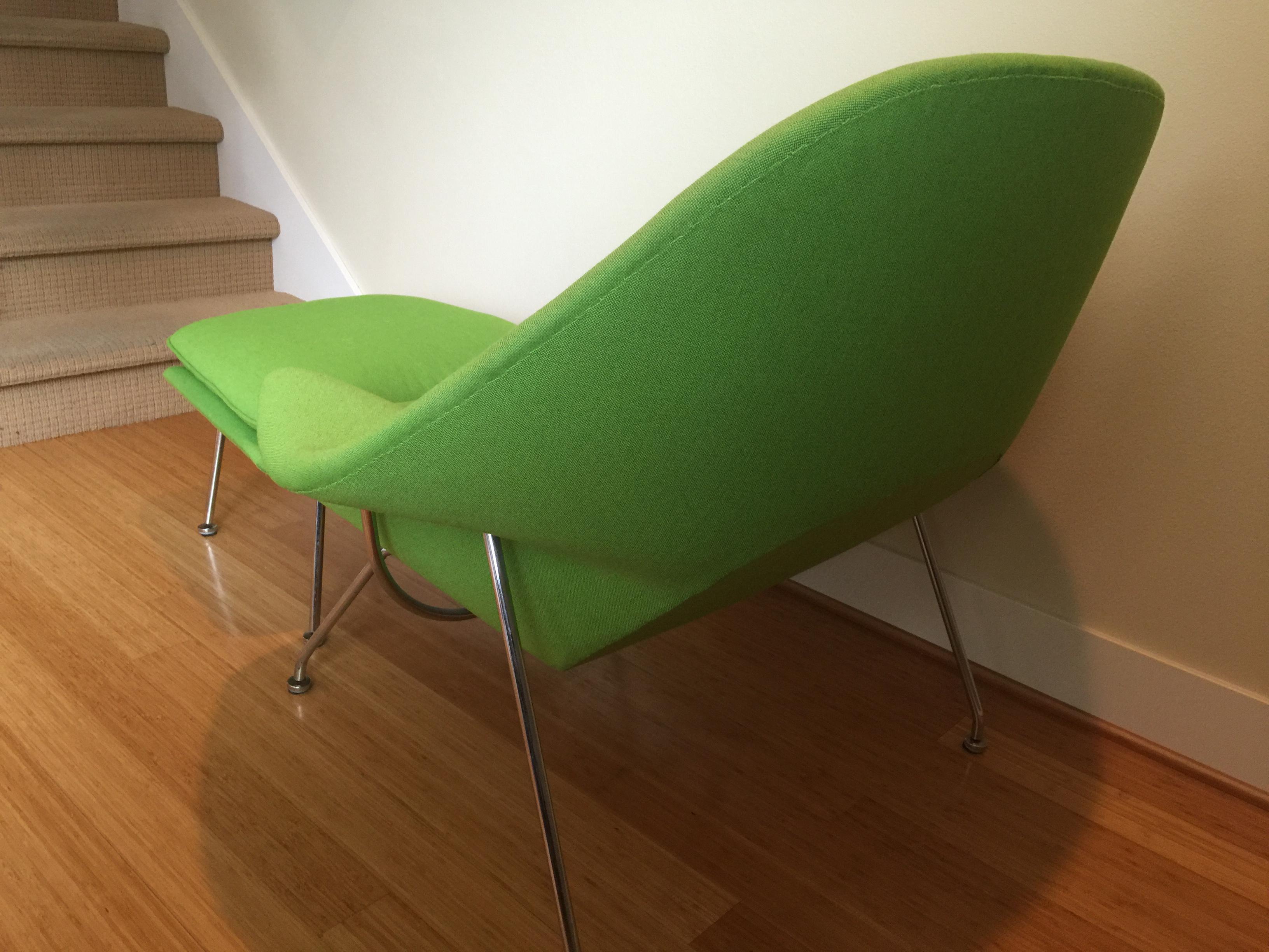 green knoll eero saarinen womb chair u0026 ottoman a pair image 5