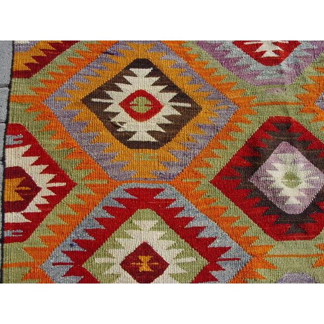 "Vintage Handwoven Turkish Kilim Rug - 4'10 x 8'4"" - Image 6 of 11"