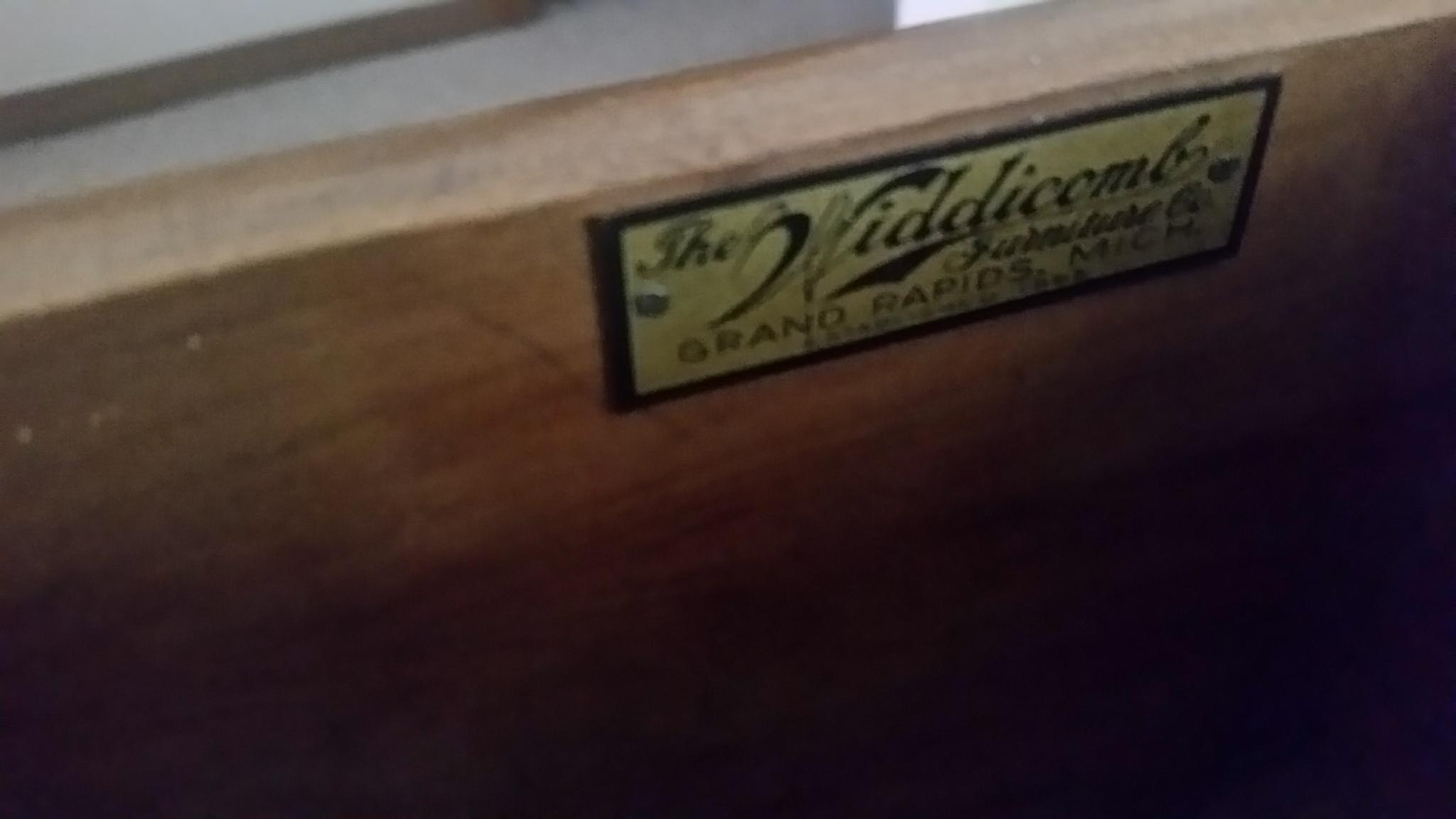 Antique Widdicomb Furniture Co. French Provincial Side Table   Image 5 Of 8