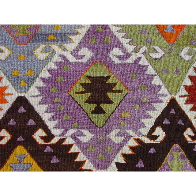"Vintage Handwoven Turkish Kilim Rug - 4'11"" x 8'6"" - Image 7 of 10"