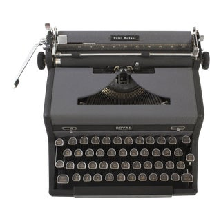 1940's Royal Quiet DeLuxe Typewriter