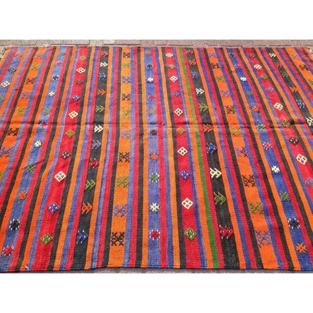 """Vintage Orange Turkish Kilim Rug, 5' 7"""" x 7' 7"""" - Image 3 of 6"""
