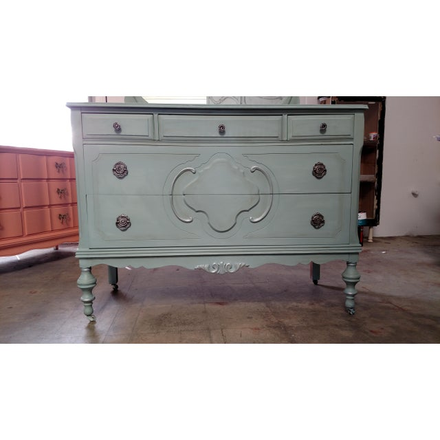 Refinished Vintage French Provincial Dresser - Image 5 of 6