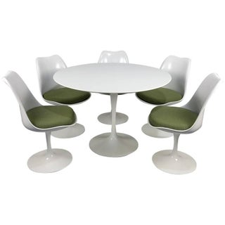 Eero Saarinen Tulip Table and Chairs by Knoll, Newer Production