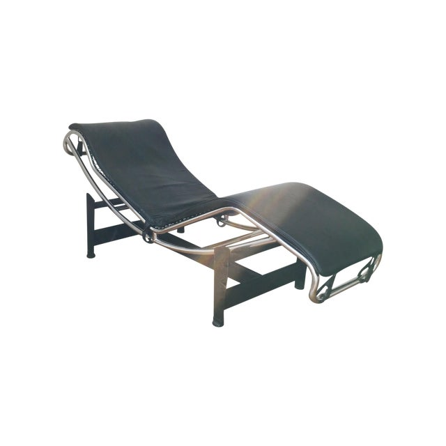 Black Le Corbusier LC4 Chaise - Image 1 of 3