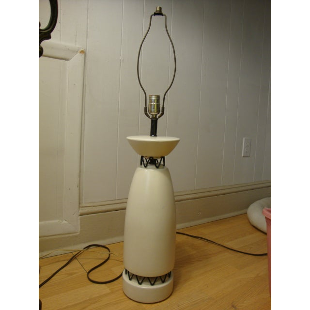 Rembrandt Style Matte White Pottery Lamp - Image 9 of 10