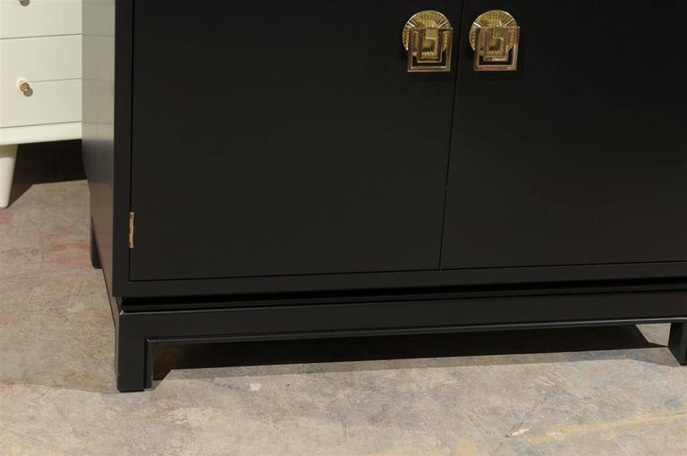 Elegant Mahogany Cabinet By Renzo Rutili In Black Lacquer   Image 4 Of 9