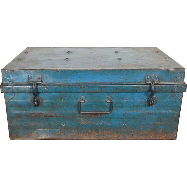 1950s Teal Iron Traveler's Trunk - Image 2 of 5