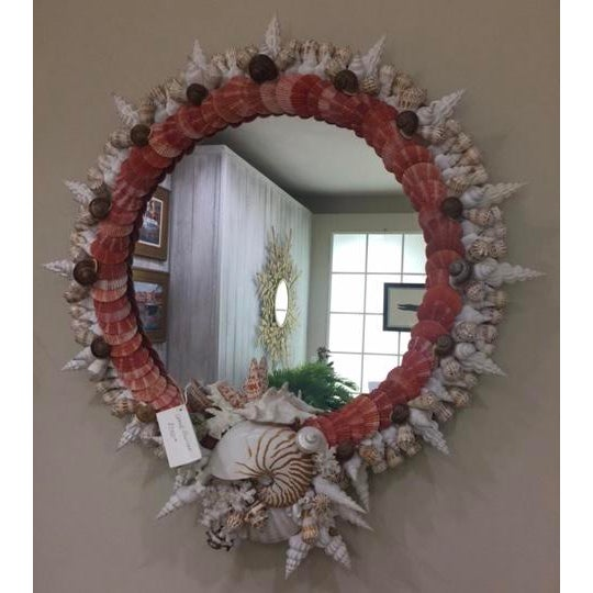 Red Pectin Shell Wreath Round Wall Mirror - Image 3 of 3