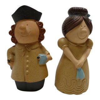 Pair of Charming Male and Female Salt and Pepper Shakers