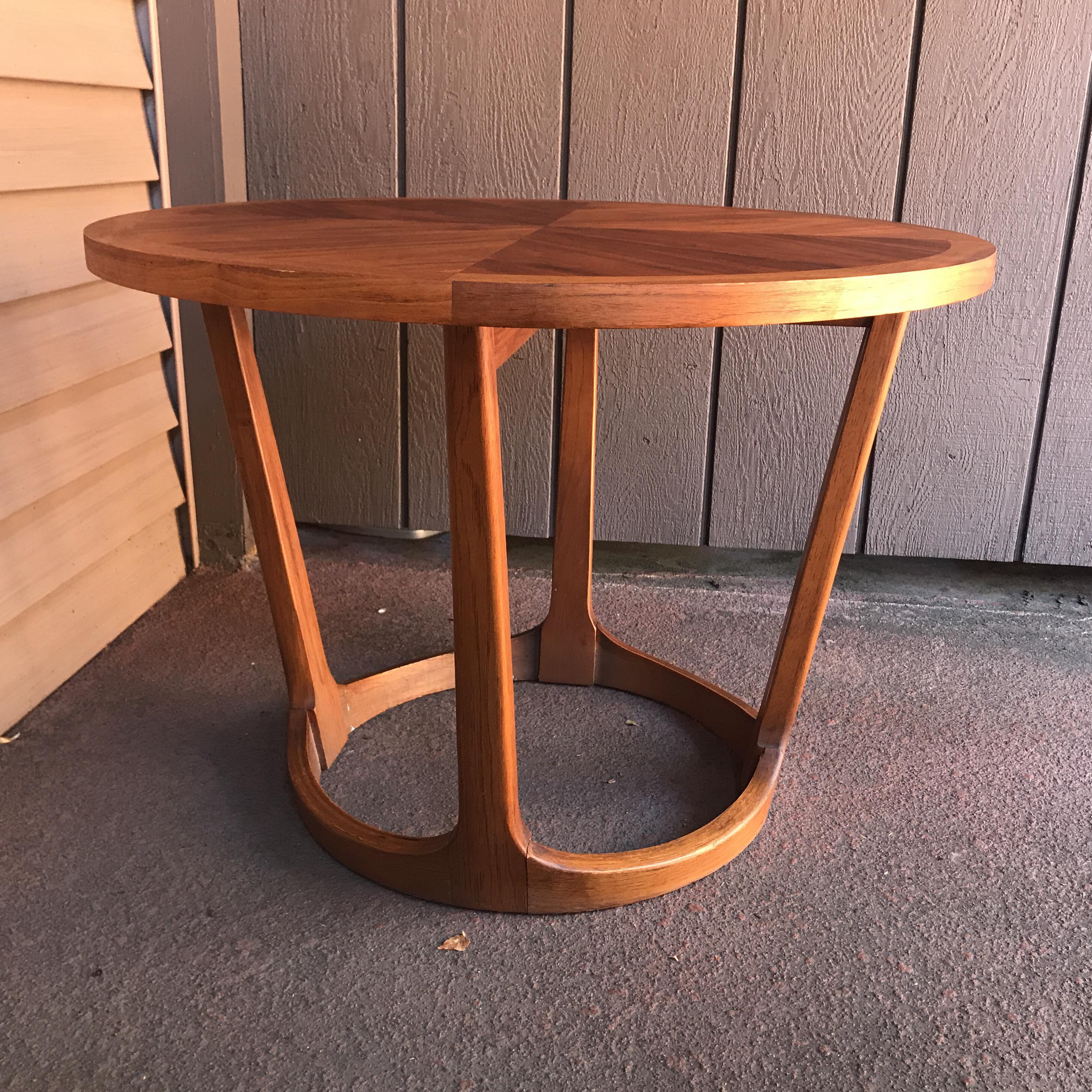 Mid Century Modern Round Lane Side Table   Image 3 Of 7