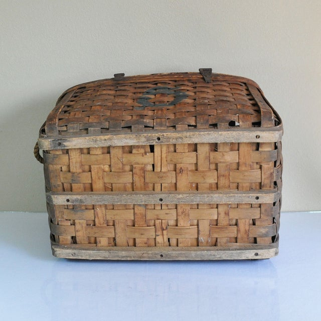 Large Rustic Antique Shipping Basket Trunk - Image 7 of 8