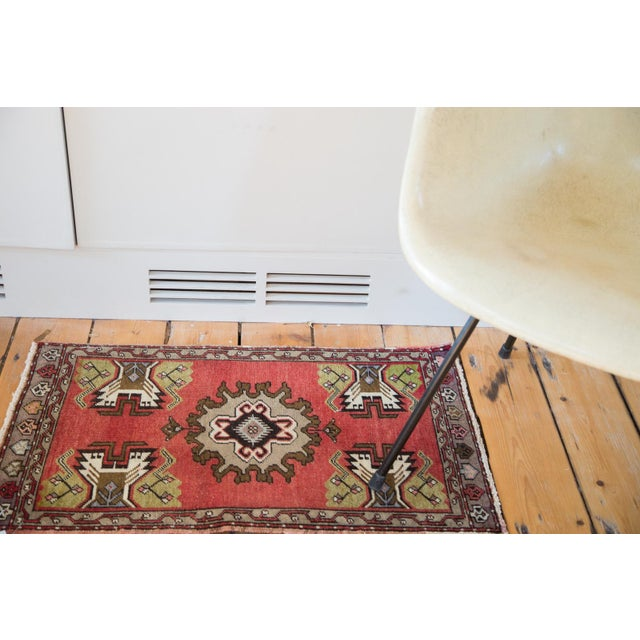 "Vintage Oushak Red Rug Mat - 1'7"" X 2'8"" - Image 2 of 7"