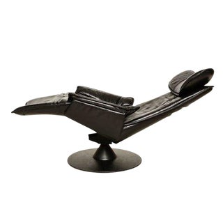 Contura Zero Gravity Recliner Chair by Modi, Hjellegjerde