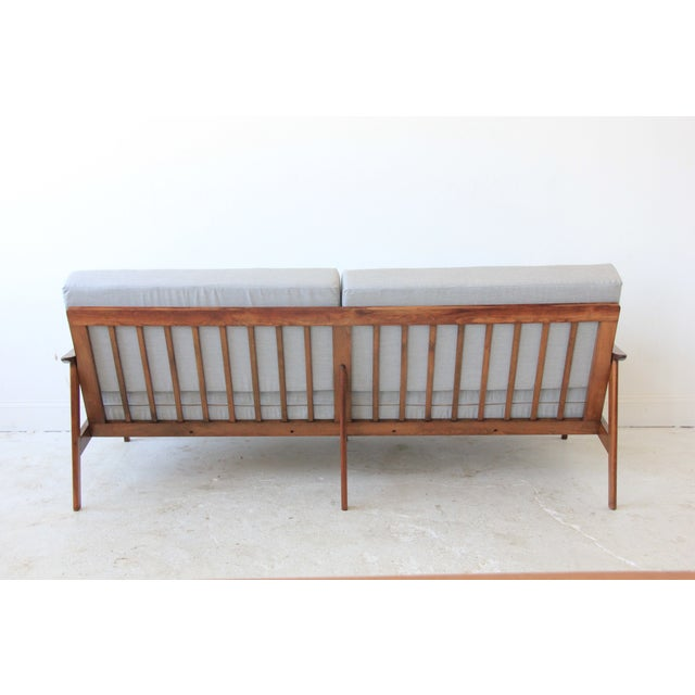 Mid-Century Modern Daybed in Light Gray - Image 7 of 7