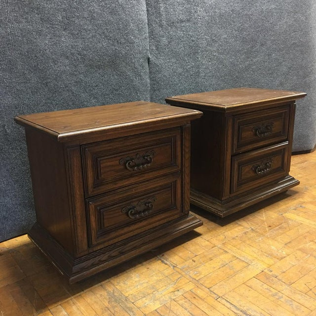 Thomasville Mid-Century Wooden Nightstands- A Pair - Image 3 of 9