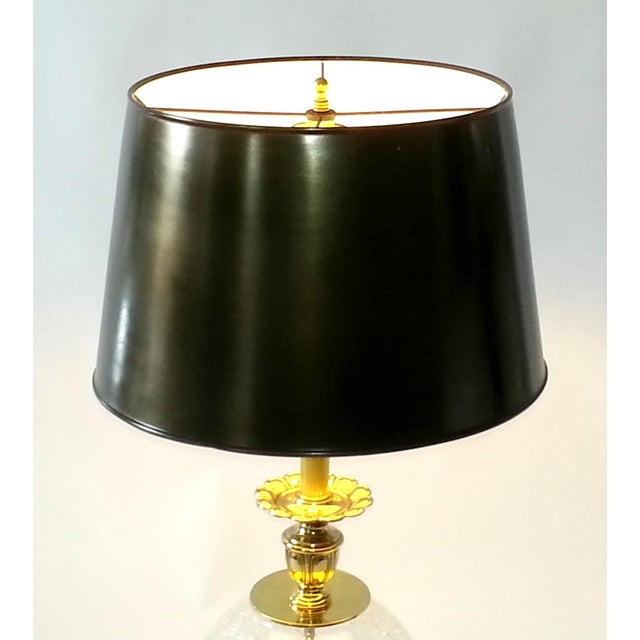 VINTAGE CRACKED GLASS AND BRASS LAMP - Image 10 of 10