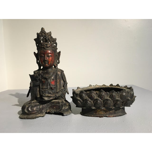 Chinese Lacquer Gilt Bronze Figure of Guanyin, late Ming Dynasty - Image 9 of 11